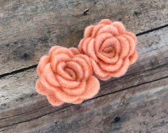 Peach flower hair clip - hair clips, hair bows, bows for girls, baby bows, felt hair bow, felt flowers, toddler bows