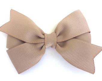 Tan hair bow - hair bows, bows for girls, pigtail bows, baby bows, baby hair bows, toddler hair bows, girls hair bows, hairbows