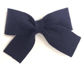Navy blue felt hair bow - felt bows, hair bows, girls bows, baby bows, girls hair bows, felt hair bows, hair bows for girls, toddler bows