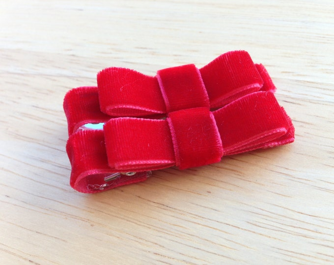 Red velvet hair clips - hair bows, baby bows, velvet bows, bows for girls, baby hair clips, hair clips for girls, baby hair bows