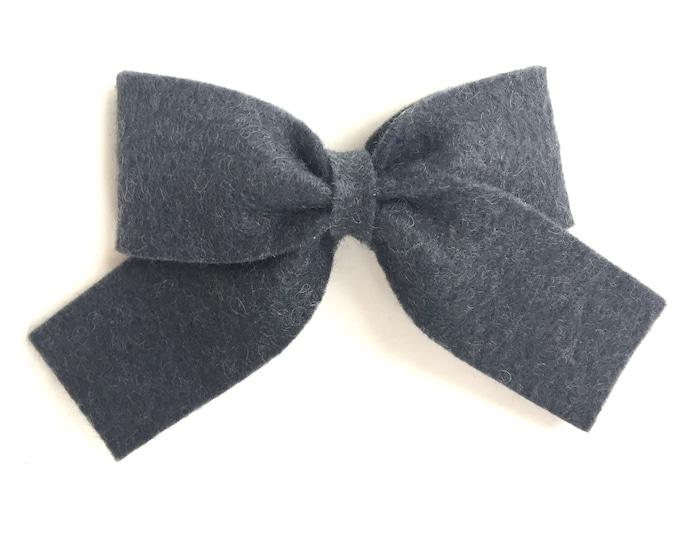 Gray hair bow - felt bow, hair bows, hair clips, felt hair clip, bows for girls, baby bows, felt hair bow