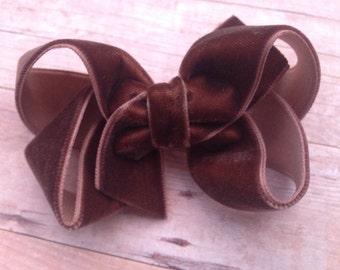 Brown velvet hair bow - 3 inch hair bow, boutique bow, girls hair bows, velvet hair bows, girls velvet bows, brown bows, hair bows