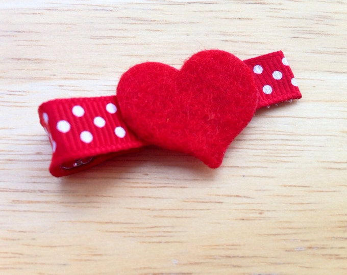 Heart hair bow - Valentines day bow, hair bows, baby bows, girls bows, toddler bows, hair clip, girls hair bows, heart bows, red bows