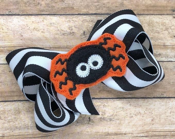 Halloween hair bow - spider bow, Halloween bows, hair bows for girls, hair bows, girls hair bows, toddler hair bows, boutique hair bows