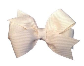 Ivory hair bow - hair bows, bows, hair bows for girls, baby bows, baby hair bows, girls hair bows, toddler hair bows, hairbows, hair clips