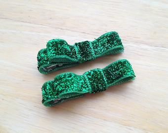 Green glitter hair clips - hair bows, baby bows, bows for girls, baby hair clips, hair clips for girls, toddler bows