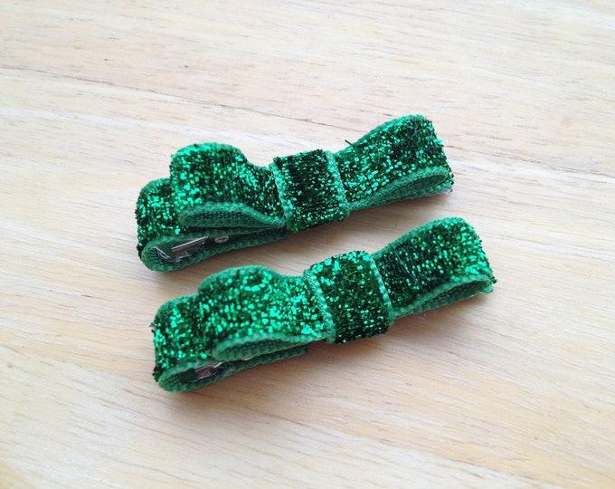 Green glitter hair clips - hair bows, baby bows, bows for girls, baby hair clips, hair clips for girls, toddler bows