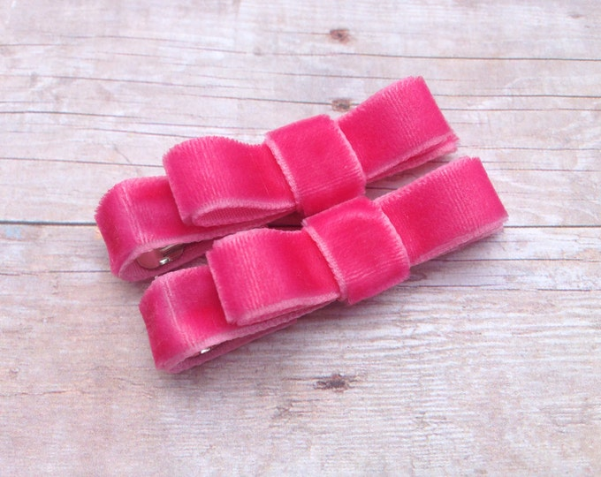 Velvet hair clips - velvet bows, hair bows, hair clips, bows for girls, baby bows, baby hair bows, baby girl bows, toddler bows