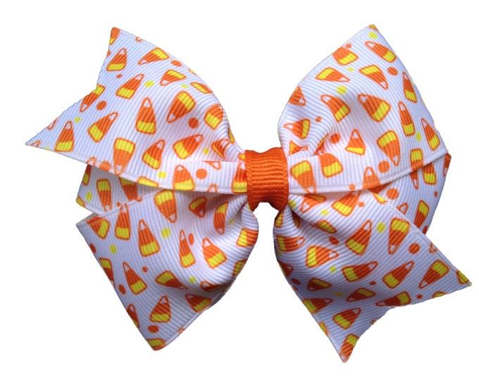 Candy corn hair bow - Halloween bow, candy corn bow, 4 inch bows, pinwheel bows, girls hair bows, girls bows, girls halloween bows, hair bow