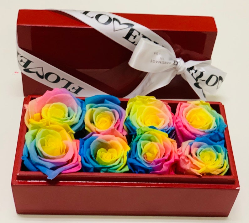 Free shipping SALE Premium rainbow roses in luxury lacquered treasure box