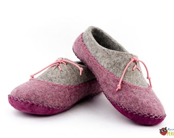 """Wool felted slippers house gray-purple """"Northern Aurora"""" moccasin"""