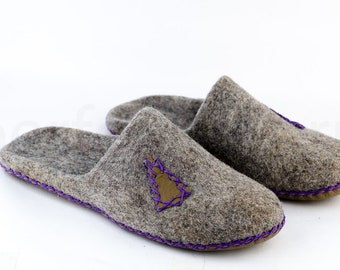 """House felted slippers """"Lodge"""" 