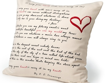 I Carry Your Heart Pillow Cover - E. E. Cummings, Throw Pillow, Book Pillow, Literary Pillow, Book Nook, Book Lover, Books, Reading