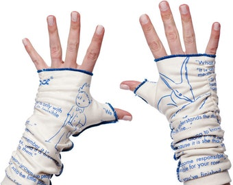 The Little Prince Writing Gloves - Fingerless Gloves, Arm Warmers, Antoine de Saint-Exupéry, Literary Accessory, Book Lover, Writer Gift