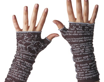 The Wind in the Willows Writing Gloves - Fingerless Gloves, Arm Warmers, Kenneth Grahame, Literary, Book Lover, Books, Animals