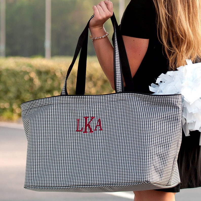 Wedding Party Gifts Monogram Beach Bag Carryall Bag Personalized Tote Bag Personalized Gifts For Her Pool Tote Large Tote With Pockets