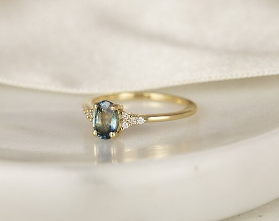 0.97ct Ready to Ship Maddy 14kt Solid Gold Ocean Teal Sapphire Diamond Dainty Oval Cluster 3 Stone Ring,Rosados Box