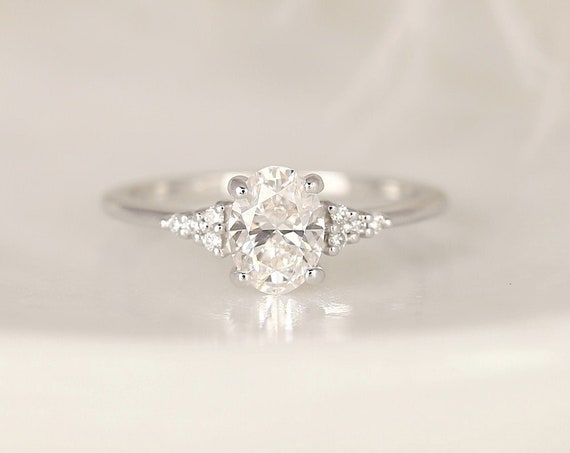 0.90ct Ready to Ship Maddy 14kt White Gold Lab Diamond Art Deco Dainty Oval Cluster 3 Stone Engagement Ring,Rosados Box