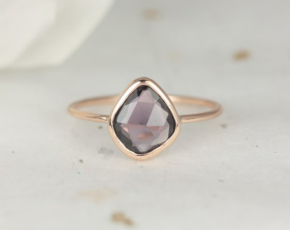 1.35ct Ready to Ship Donatella Arrowhead 14kt Rose Gold Free Form Organic Slice Rose Cut Merlot Wine Sapphire Dainty Ring,Rosados Box