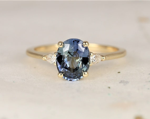 1.81cts Ready to Ship Petite Emery 14kt Yellow Gold Ocean Blue Teal Sapphire Diamond Pear 3 Stone Oval Engagement Ring,Rosados Box