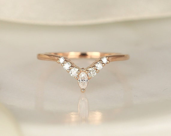 Kendall 14kt Gold Dainty Chevron Flair Pave Marquise Round Diamond V Ring, Unique Nesting Ring,Stacking RingRosados Box