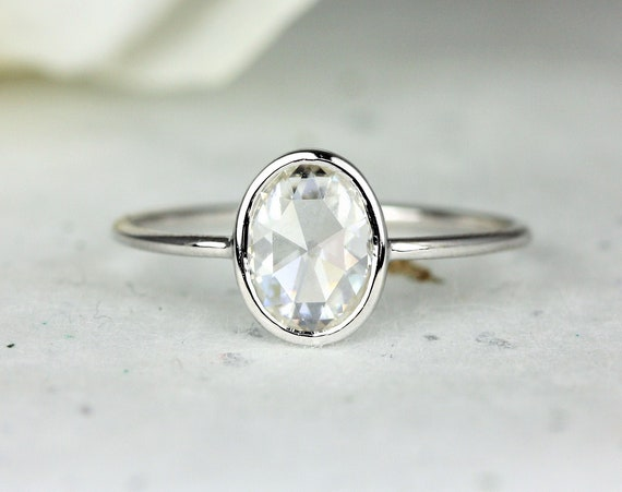 Paris 8x6mm 14kt White Gold Oval Rose Cut Forever One Moissanite Dainty Minimalist Bezel Solitaire Ring,Rosados Box