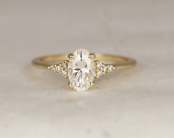 1.20ct Madison 8x5mm 14kt Solid Gold Forever One Moissanite Diamonds Dainty Elongated Oval Cluster 3 Stone Engagement Ring,Rosados Box