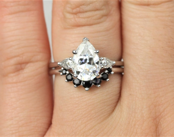 2cts Essie 10x7mm & Rayna 2.0 14kt White Gold Forever One Moissanite Diamond Spinel Art Deco 3 Stone Pear Wedding Set Rings,Rosados Box