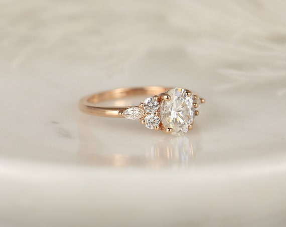 1.50ct Thea 8x6mm 14kt Rose Gold Forever One Moissanite Diamond Art Deco Unique Cluster 3 Stone Oval Engagement Ring,Rosados Box