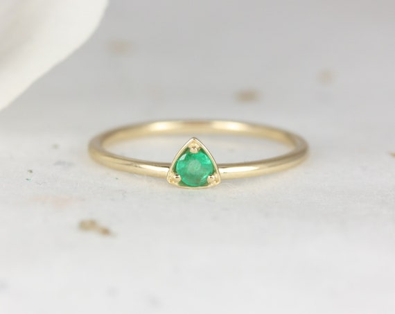 Ultra Petite Zelda 14kt Gold Green Emerald Dainty Triangle Trillion Minimalist Stacking Ring,Rosados Box