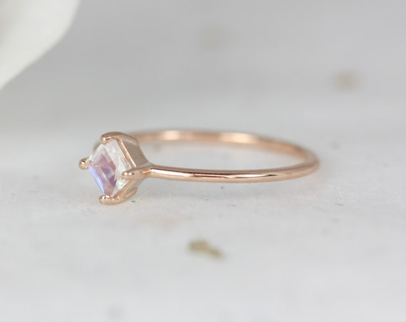 Ultra Petite Kelsey 14kt Gold Rainbow Moonstone Dainty Princess Kite Set Minimalist Stacking Ring,Rosados Box