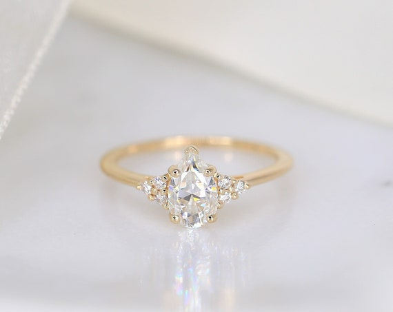 1ct Juliet 8x5mm 14kt Gold Forever One Moissanite Diamonds Dainty Pear Unique Cluster 3 Stone Engagement Ring,Rosados Box