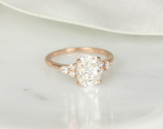 2.30cts Cassie 9x7mm 14kt Gold Forever One Moissanite Diamonds Unique Dainty Cluster 3 Stone Elongated Cushion Engagement Ring,Rosados Box