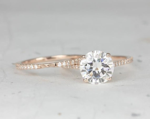 2.70ct DIAMOND FREE Eloise 9mm 14kt Rose Gold Forever One Moissanite White Sapphires Pave Round Classic Wedding Set Rings,Rosados Box