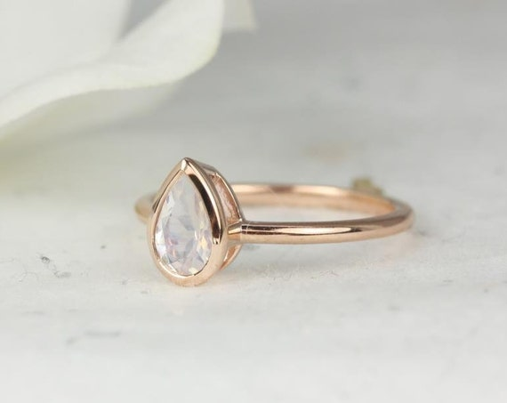 Isla 7x5mm 14kt Rose Gold Rainbow Moonstone Dainty Non-Cathedral Pear Bezel Engagement Ring,Rosados Box