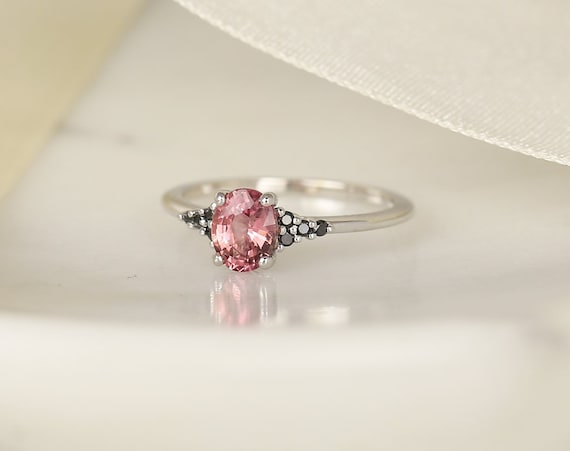 0.96ct Ready to Ship Maddy 14kt White Gold Padparadscha Berry Red Sapphire Black Diamond Dainty Oval Cluster 3 Stone Ring,Rosados Box