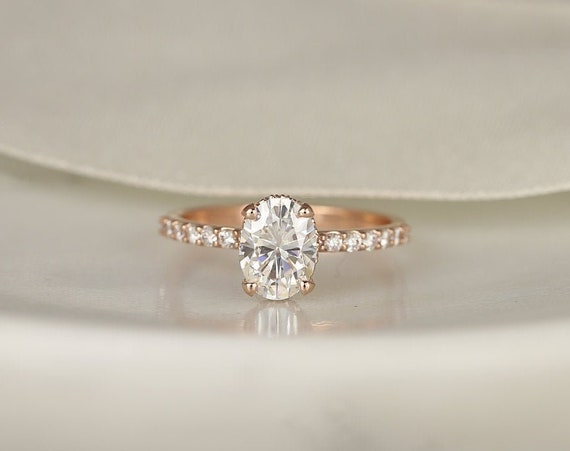1.50ct Vera 8x6mm 14kt Rose Gold Oval Forever One Moissanite Diamond Minimalist Dainty Scarf Hidden Pave Halo Engagement Ring,Rosados Box