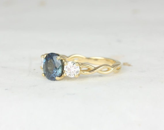 2.30ct Round Teal Sapphire Forever One Moissanite 3 Stone Twist Engagement Ring,14kt Yellow Gold,Ready to Ship Cameron 2.30cts,Rosados Box