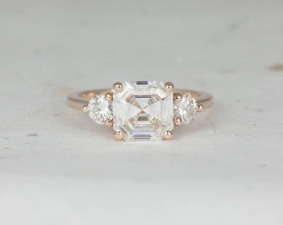 2.20cts Minah 8mm 14kt Rose Gold Forever One Moissanite Round Dainty 3 Stone Asscher Engagement Ring,Rosados Box