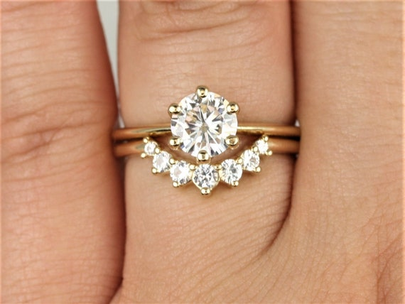 1ct Skinny Webster 6.5mm & Rayna 2.0 14kt Gold Forever One Moissanite White Sapphire 6 Prong Dainty Solitaire Wedding Set Rings,Rosados Box