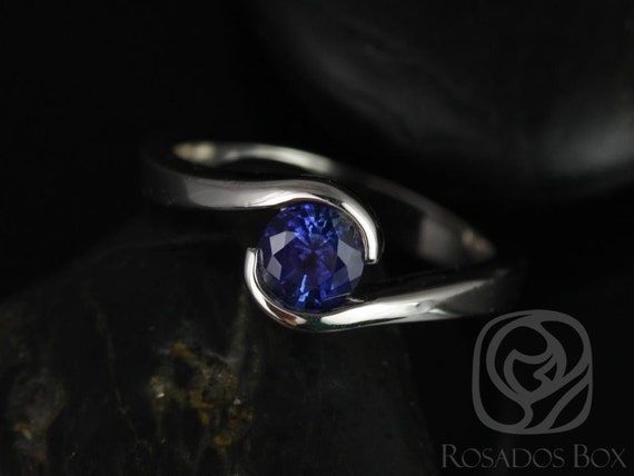Rosados Box Vadim 5mm 14kt White Gold Round Sapphire Single Twist Engagement Ring