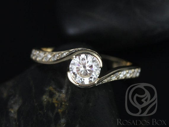 Rosados Box Odala 5.5mm 14kt Yellow Gold Round F1- Moissanite and Diamonds Twisted Engagement Ring