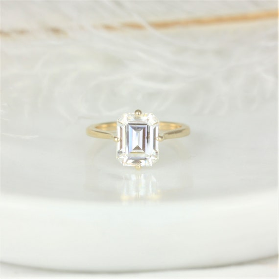 3.90cts Extra Low Roux 10x8mm 14kt Gold Oval Forever One Moissanite Kite Set Minimalist Emerald Solitaire Engagement Ring, Rosados Box