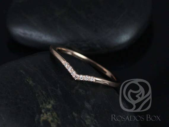 Momo 14kt Rose Gold Dainty Chevron Pave Diamond V Ring Stacking Ring  (S.L.A.Y. Collection),Rosados Box