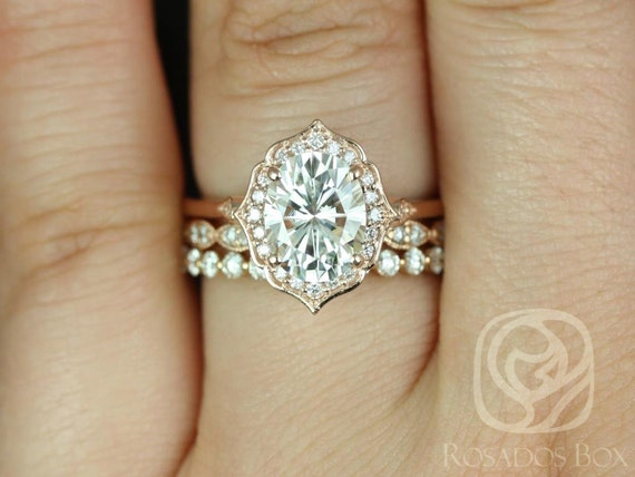 2ct Mae 9x7mm-Christie-Pte Naomi 14kt Rose Gold Forever One Moissanite Diamond Vintage Unique Oval Halo TRIO Wedding Set Rings,Rosados Box