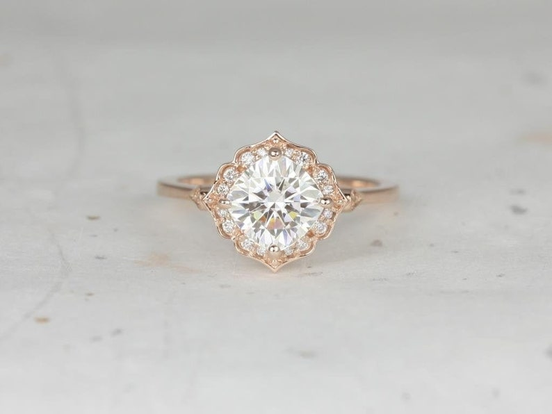 572c35e71411d 1.70ct Lily 7mm 14kt Rose Gold Forever One Moissanite Diamond Art Deco  Cushion Kite Halo WITHOUT Milgrain Engagement Ring,Rosados Box