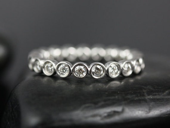 Rosados Box Bubbles Original Size 2.8mm 14kt White Gold WITHOUT Milgrain Round Diamond FULL Eternity Band