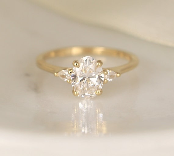 1.26ct Ready to Ship Emery 14kt Gold Lab Diamond Art Deco Dainty Oval Cluster 3 Stone Engagement Ring,Rosados Box