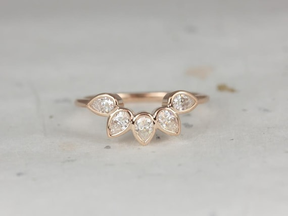 Rosados Box DIAMOND FREE Dahlia 14kt Rose Gold Pear Forever One Moissanite Leaves WITHOUT Milgrain Tiara Ring