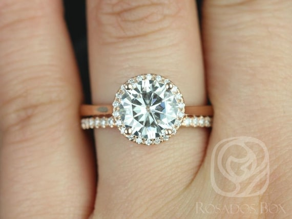 Rosados Box Shannon 8.50mm 14kt Rose Gold Round F1- Moissanite and Diamonds Extra Low Halo Wedding Set